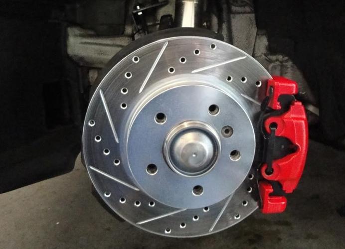 Замена тормозных дисков в Химках